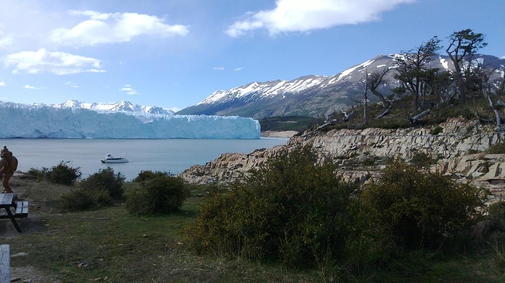 Despidiéndome del glaciar.