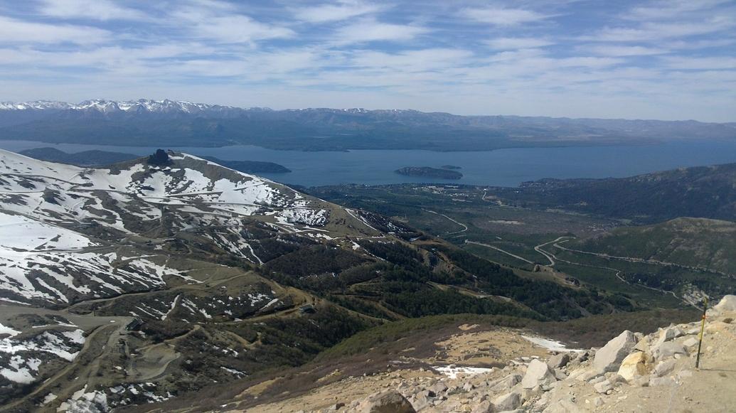 Lago Nahuel Huapi desde el cerro Catedral.