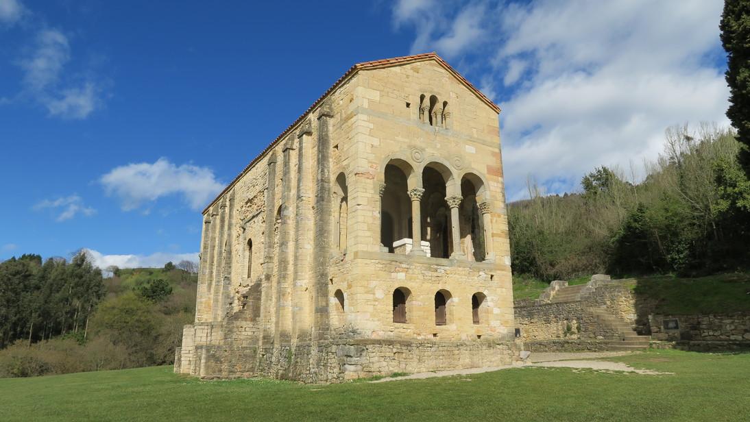 Santa María del Naranco.