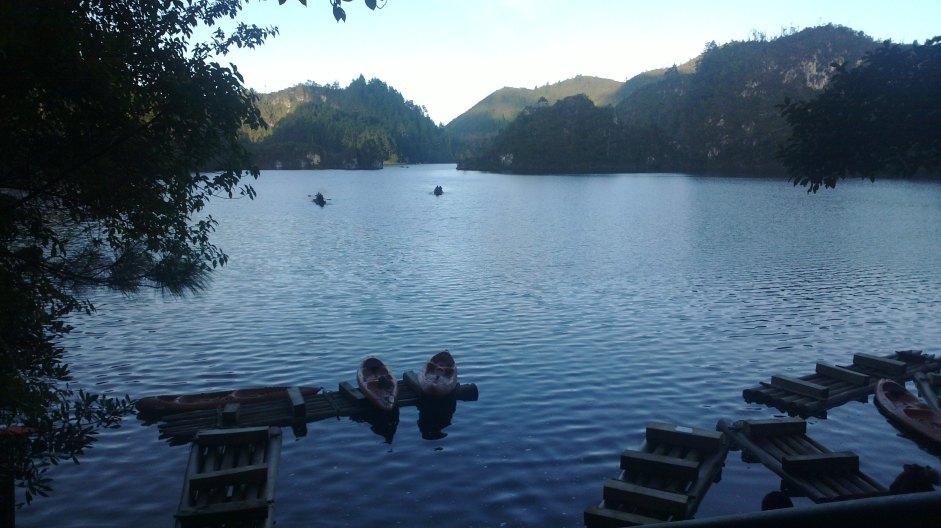 Embarcadero de canoas en Montebello
