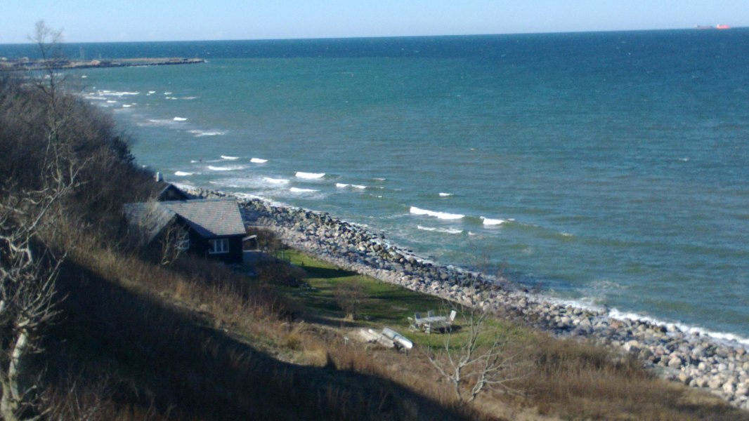 Un chalet junto al mar.