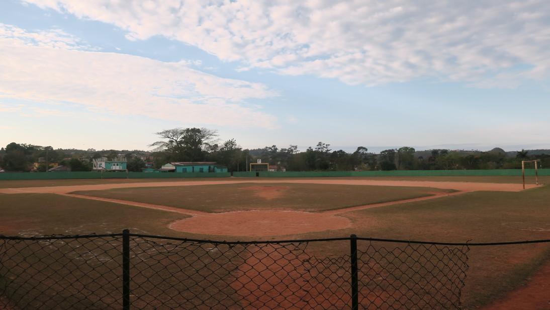 Campo de beisbol en Viñales.