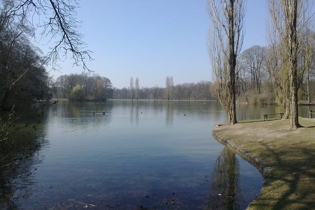 El lago Kleinhesseloher, en el Jardín Inglés