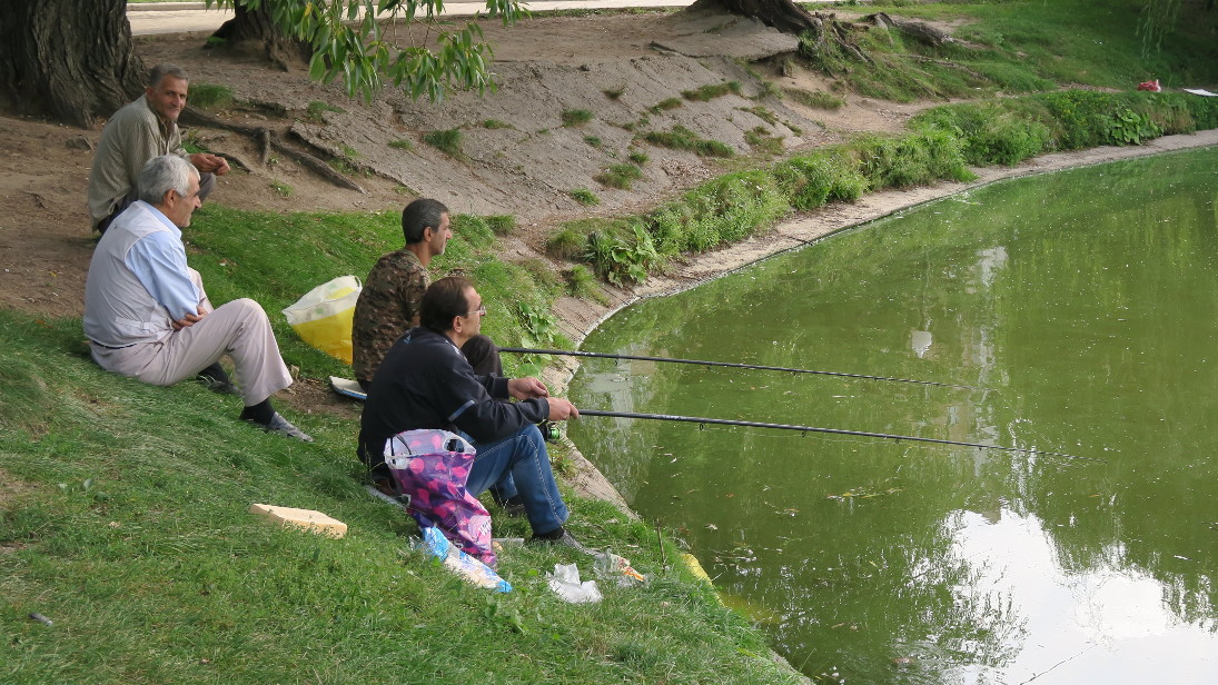 Moscovitas pescando.